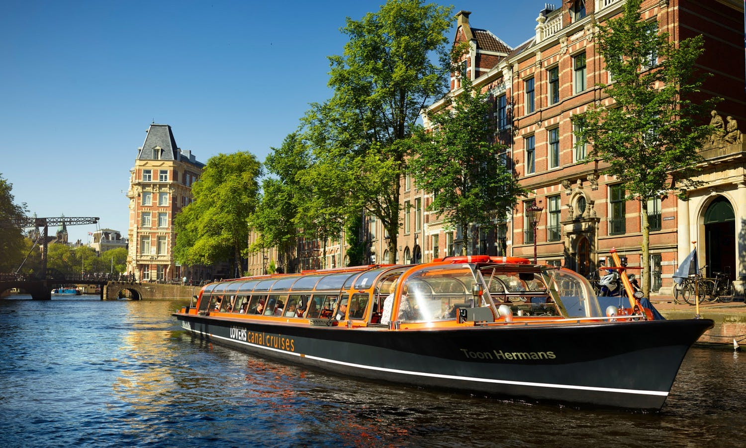 Van Gogh Museum fast-track tickets and canal cruise