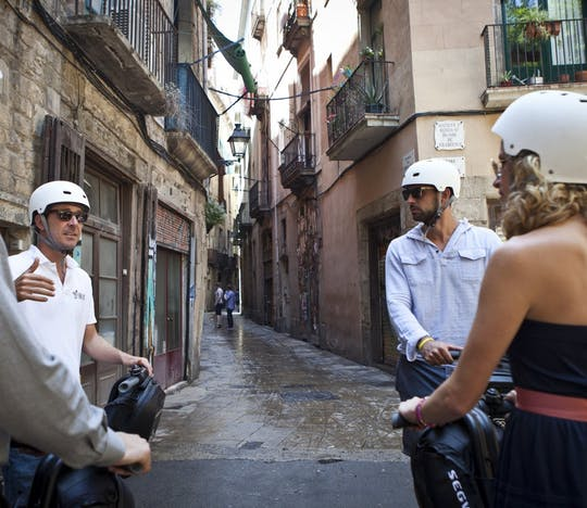 Tour de 2 horas em diciclo elétrico por Barcelona