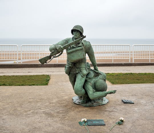 Small group excursion to the D-Day sites with lunch and minibus from Paris