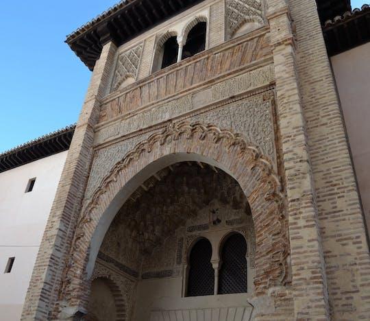Tour privado a Granada desde Sevilla con entrada a la Alhambra
