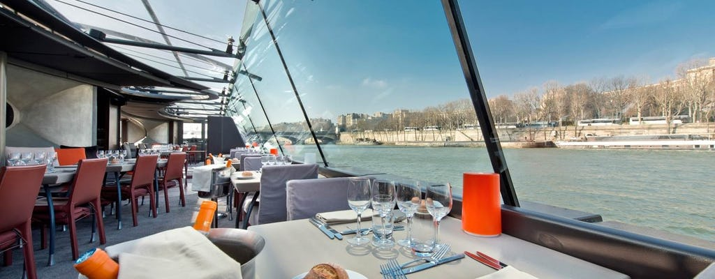 Lunch cruise on the River Seine