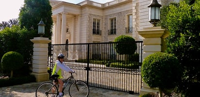 Self-guided GPS movie star homes bike tour