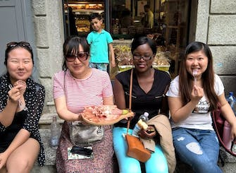 Como gourmet walking tour with wine and food tasting