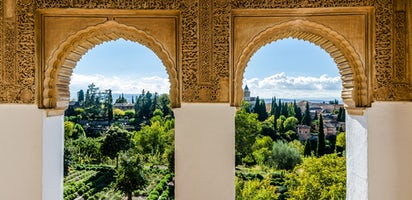 Alhambra guided tour and tickets to the Science Park of Granada