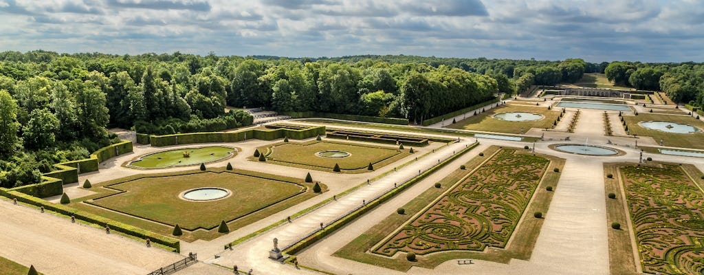 Audioguided visit of Fontainebleau and Vaux le Vicomte