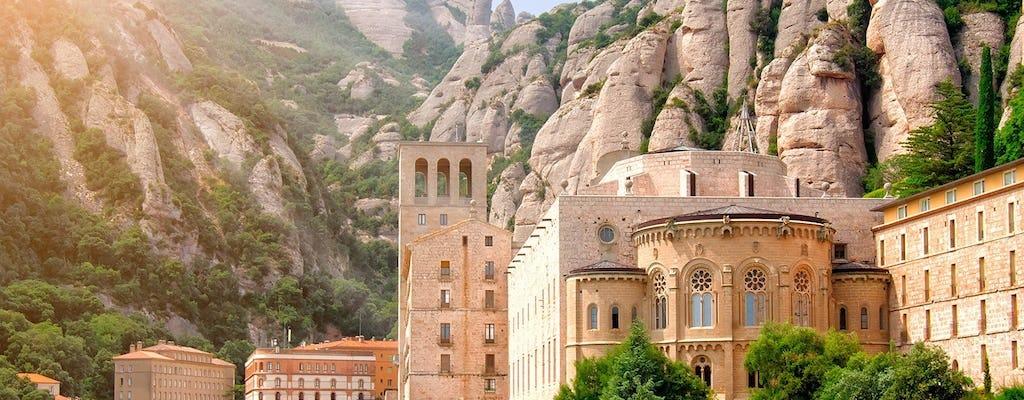Excursão guiada Montserrat e experiência de caminhadas com transporte privado de Barcelona