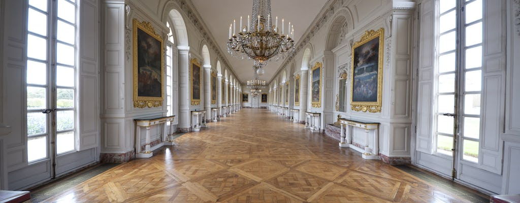 Versailles with audio guide and Paris transfer