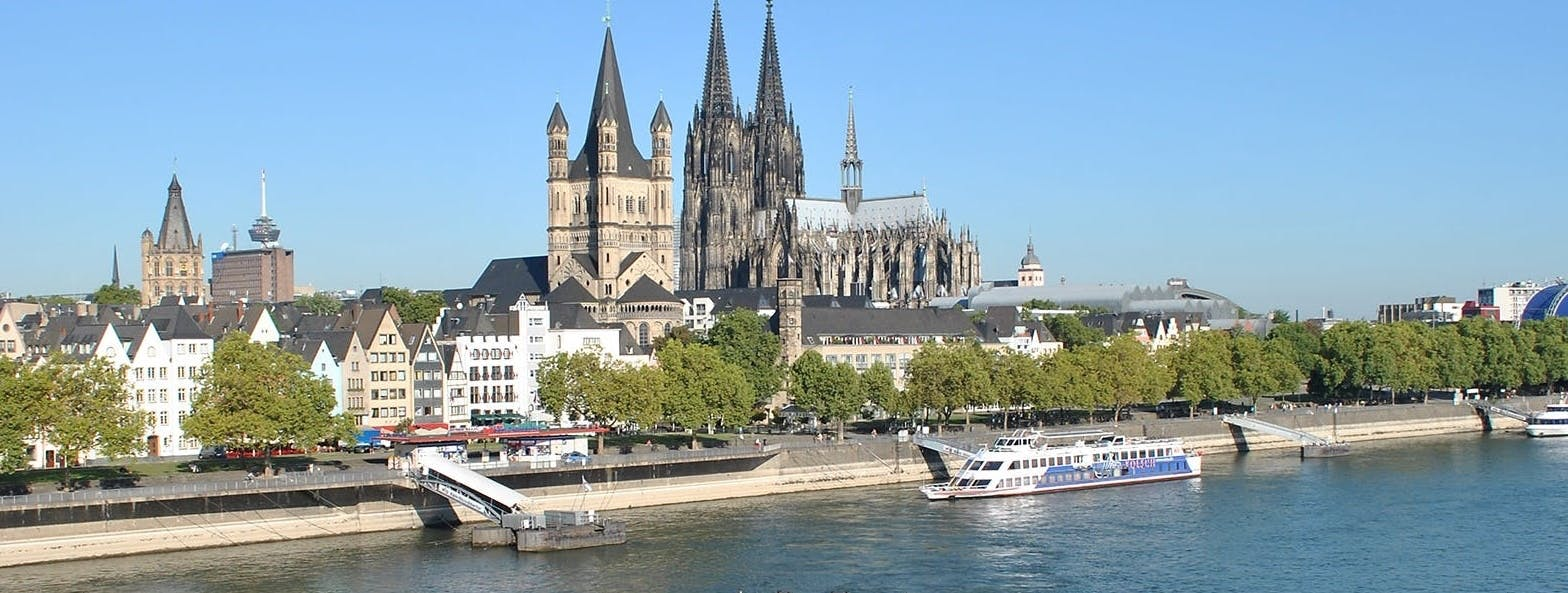 Panorama river boat cruise in Cologne