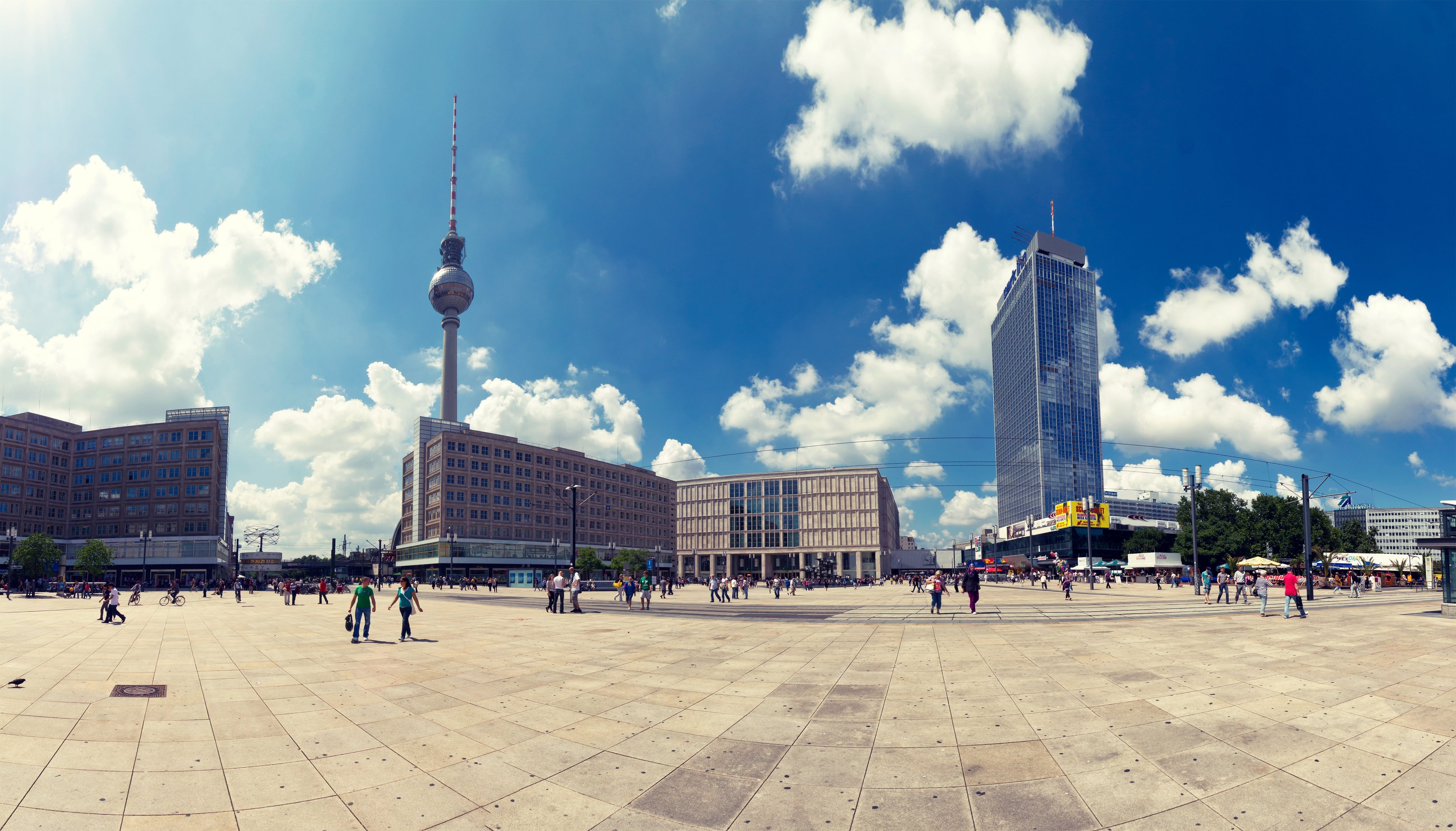 Berlin Wall and the Cold War - a tour of East Berlin