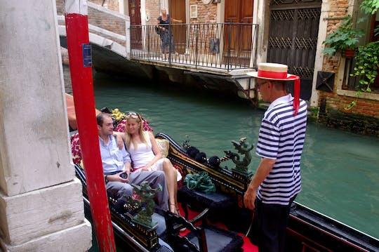 Tour privado de gôndola para descobrir locais secretos de Veneza