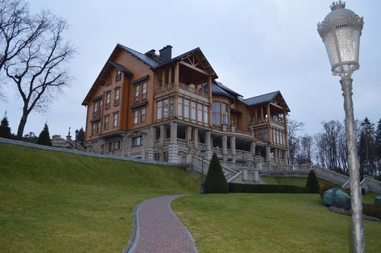 Private guided tour to Mezhyhirya Residence from Kiev