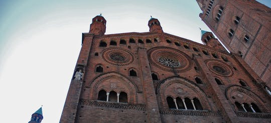 Private guided walking tour of Cremona