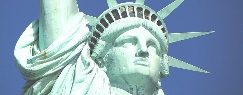 Croisière touristique à New York autour de la Statue de la Liberté