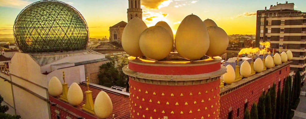 Girona and Figueres tour from Barcelona with guided visit of Dalí Museum for small groups