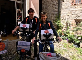 Discover Lake Como with an eBike and an iPad