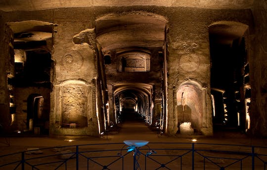 Tickets and guided tour of the Catacombs of San Gennaro