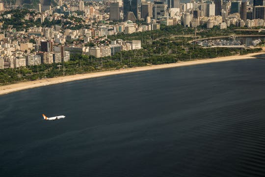 Minivan VIP Airport Galeao (GIG) para o Rio de Janeiro