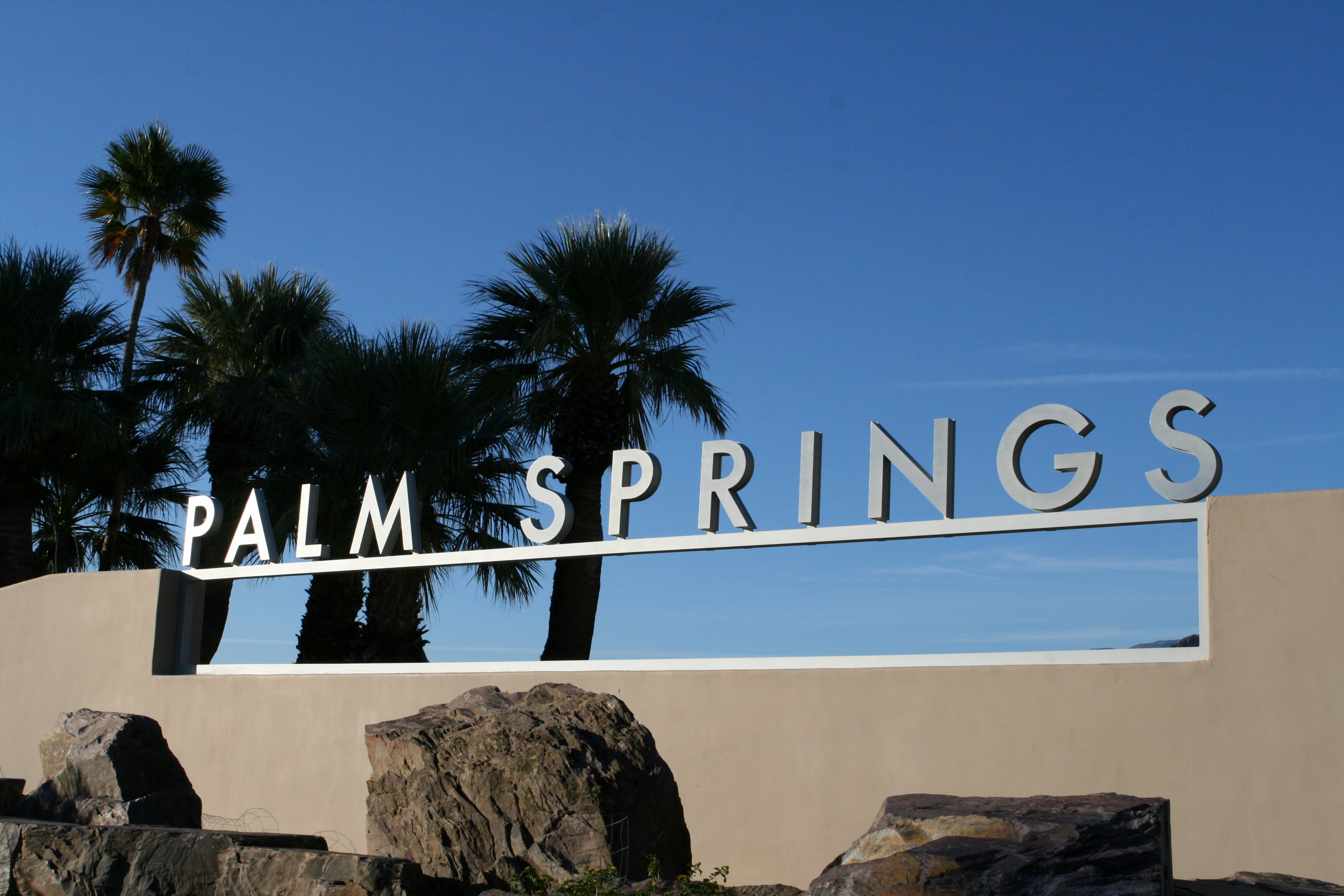Palm Springs and outlet shopping day tour