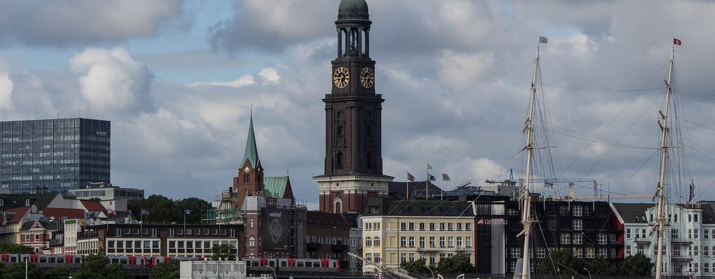 Guided tour of Hamburg with harbor, Michel and city hall