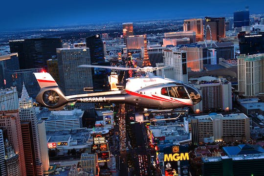 Lot helikopterem nad Las Vegas Strip