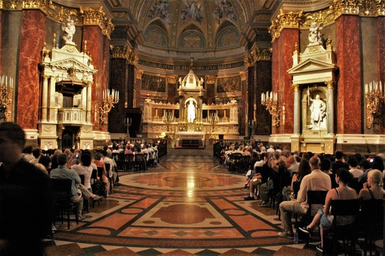 Organ concert in St. Stephen's Basilica with night cruise