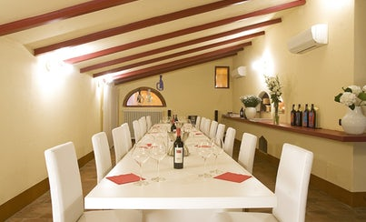 Gastronomy,Special lunch and dinner,Oenological tours,