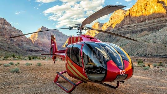 Tour in elicottero del Grand Canyon, giro in barca sul fiume Colorado e Skywalk