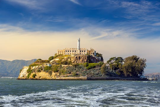 Alcatraz tickets with 2-day hop-on hop-off San Francisco bus pass