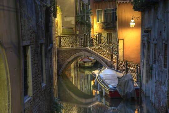 Original Venice ghost and legends walking tour by night