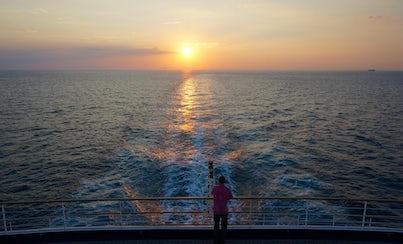 City tours,Activities,Cruises, sailing & water tours,Water activities,Muscat Tour