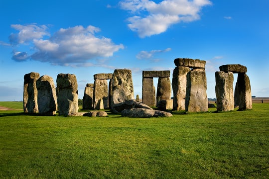 Stonehenge and Bath day trip from London with optional Roman Bath entry