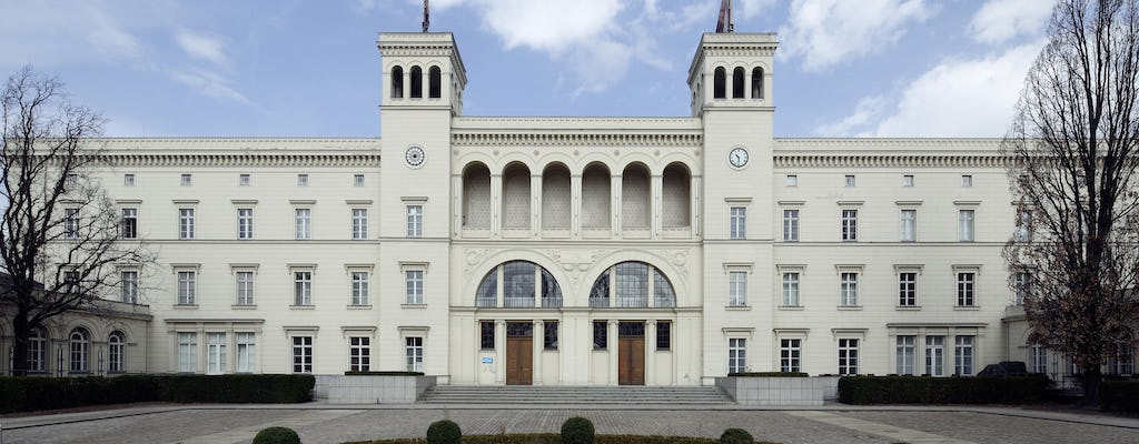 Skip-the-line ticket for contemporary and modern art at Hamburger Bahnhof