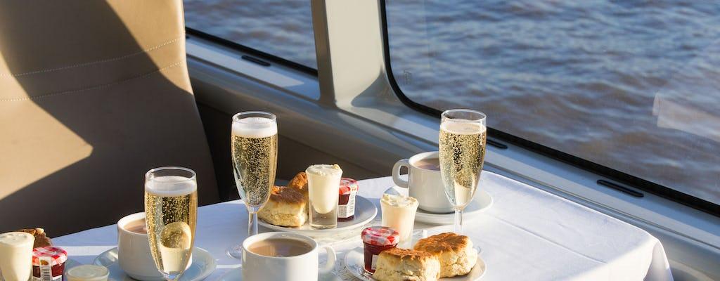 Tour en bus à impériale vintage avec thé au champagne