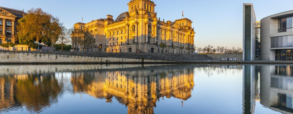 By ship through Berlin: A historical sightseeing cruise from the Nikolai Quarter
