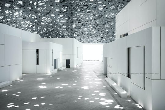 Louvre Abu Dhabi Museum and Grand Mosque tour from Dubai