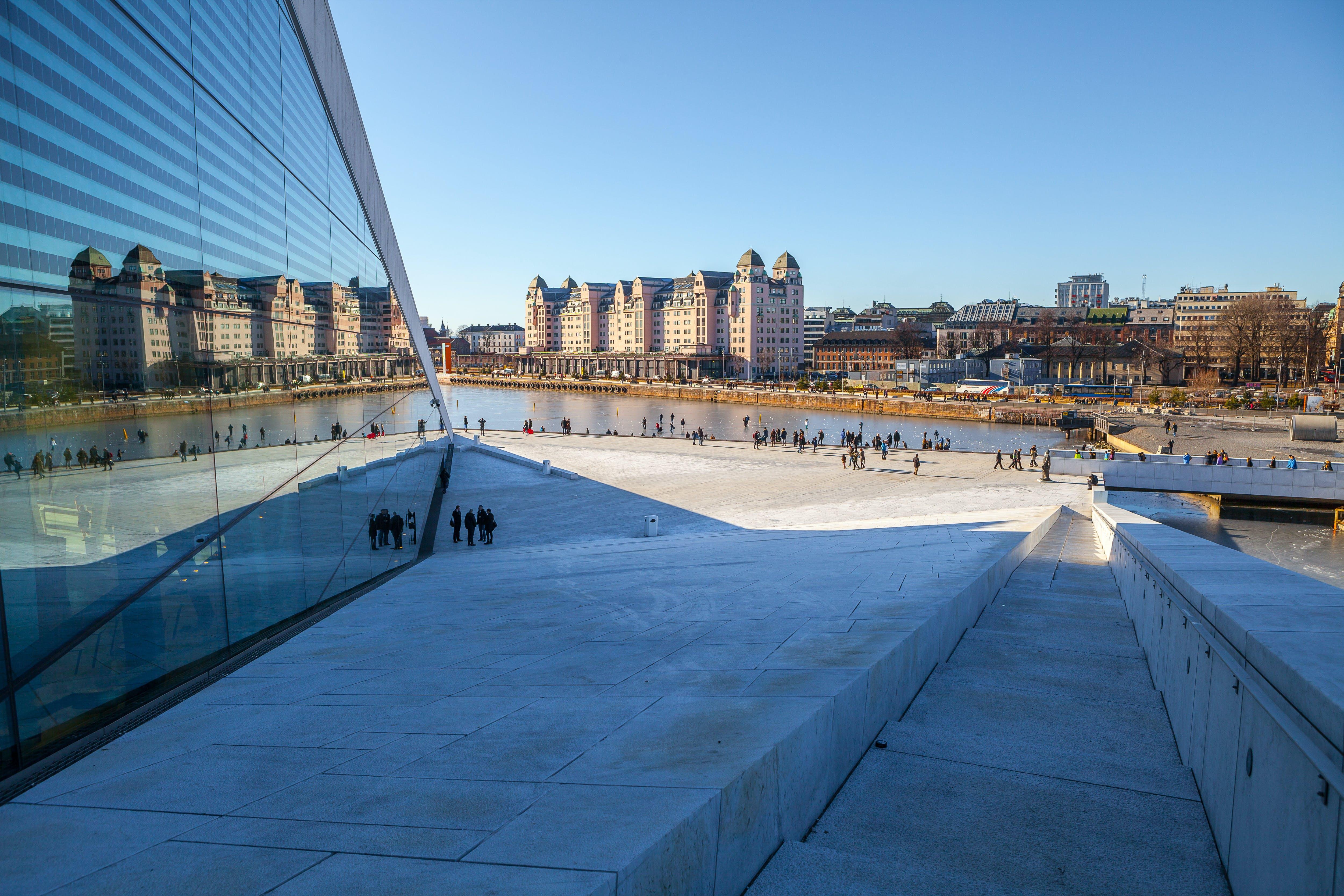 Ver la ciudad,Tours andando,Tour por Oslo