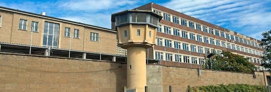Tour ab Potsdamer Platz zum Stasi-Gefängnis Hohenschönhausen und Dong Xuan Center