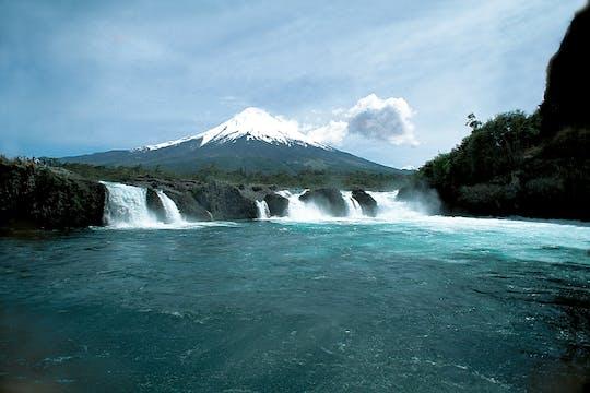 Ganztägiger Ausflug mit den Petrohue Falls und dem Vulkan Osorno zum Mittagessen