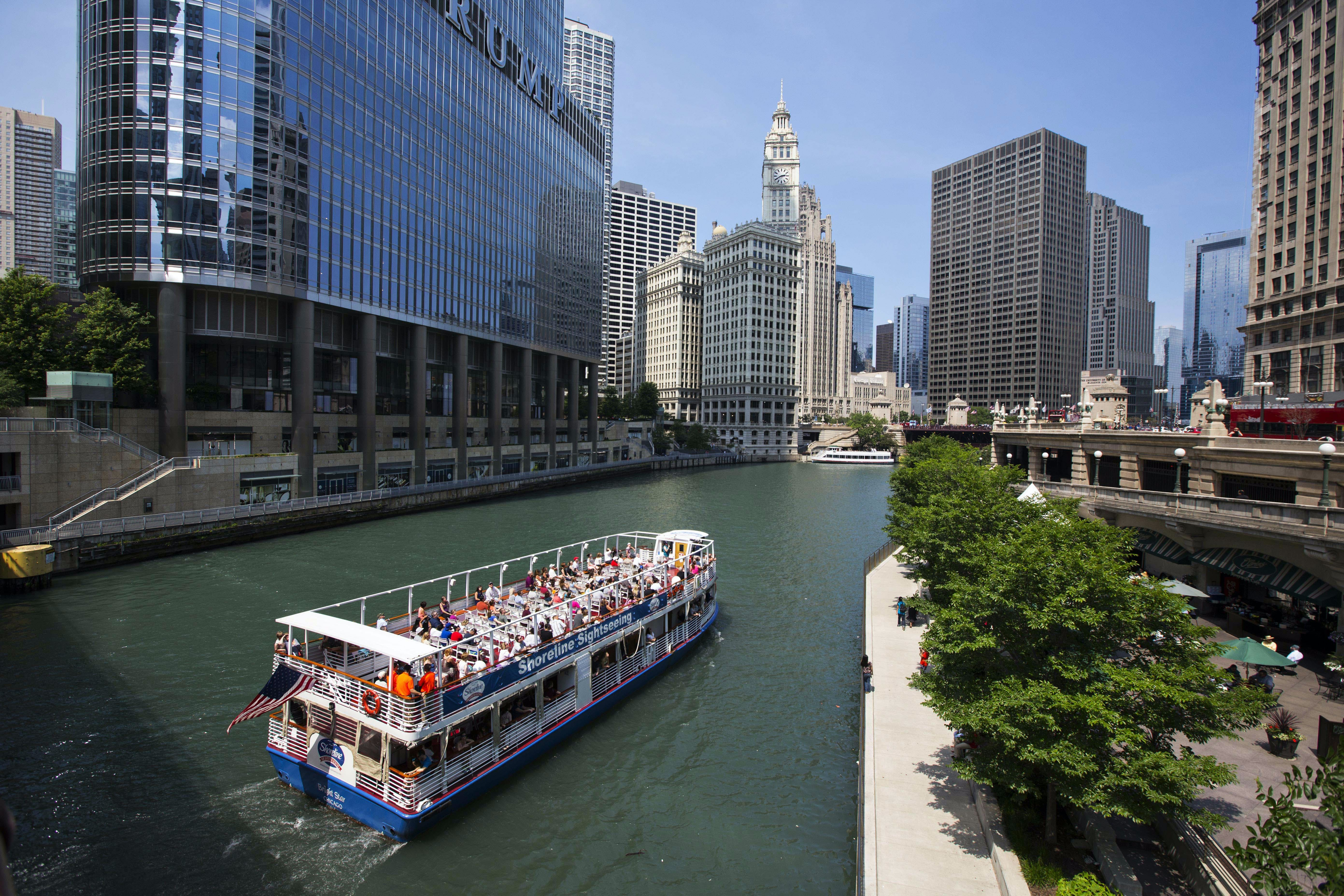 Architecture cruise on the Chicago River from Michigan Ave
