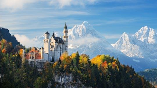 Wycieczka do zamku Neuschwanstein, pałacu Linderhof i Oberammergau z Monachium
