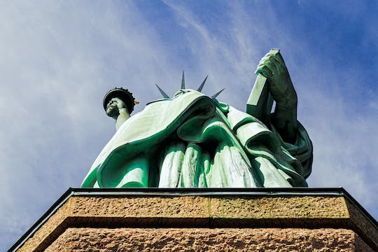 Essential Statue Tour with Statue of Liberty and Liberty Island