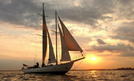 Wine tasting sail aboard the Shearwater