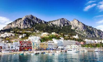 Ver la ciudad,Ver la ciudad,Actividades,Tours andando,Visitas en barco o acuáticas,Actividades acuáticas,Tour por Nápoles,Excursión a Capri
