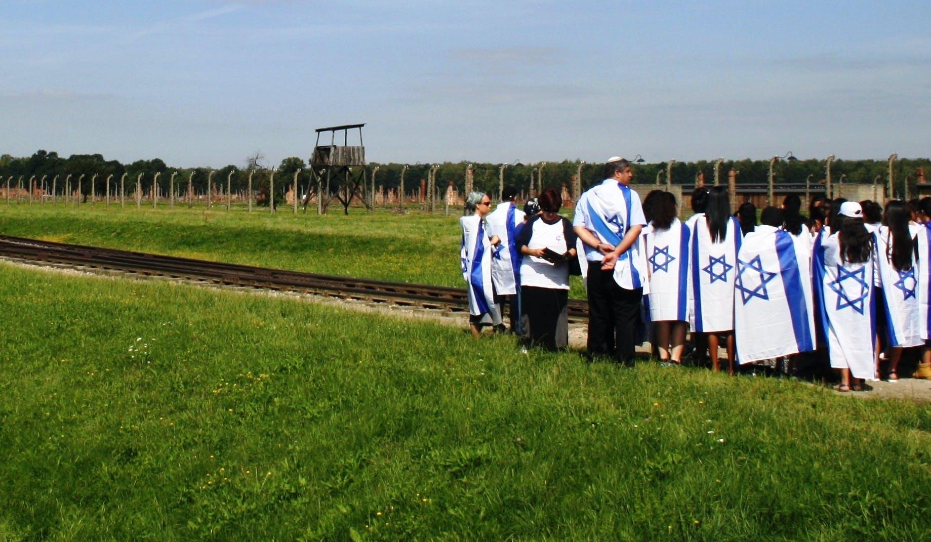 Ver la ciudad,Salir de la ciudad,Tickets, museos, atracciones,Tours históricos y culturales,Excursiones de un día,Entradas a atracciones principales,Con Auschwitz Birkenau,Campo de concentración de Auschwitz,Mina de sal Wieliczka