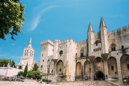 Ganztagestour durch Avignon, Châteauneuf-du-Pape und Les Baux de Provence