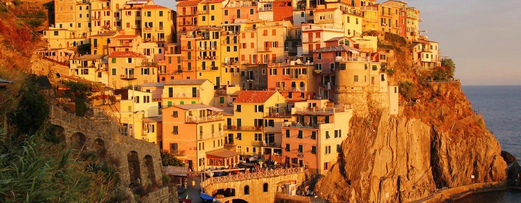 Croisière au coucher du soleil dans les Cinque Terre avec aperitivo