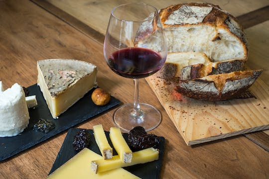 Bordeaux cheese and wine tasting