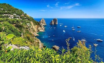 Ver la ciudad,Actividades,Visitas en barco o acuáticas,Actividades acuáticas,Tour por Nápoles,Excursión a Capri