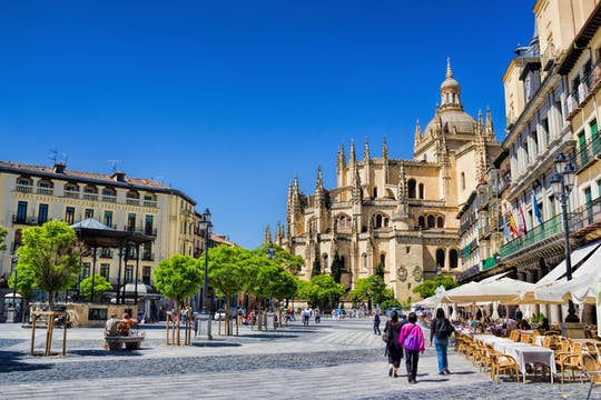 Excursión a Segovia con visita guiada a pie desde Madrid
