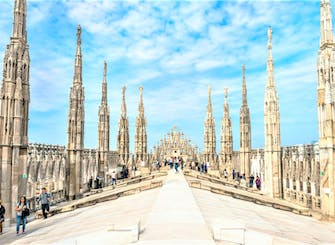 Duomo Cathedral and Rooftop: priority access tour for small group